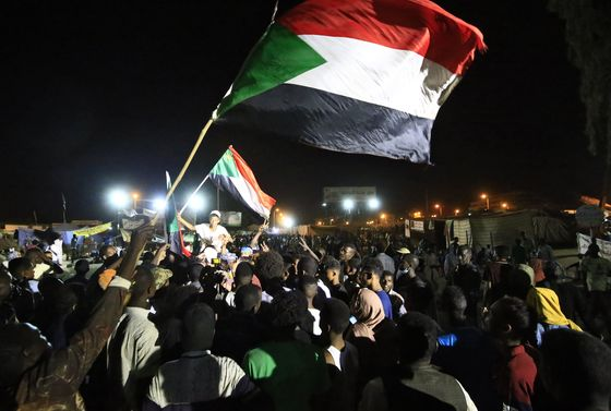 Sudan Power-Sharing Talks Halted as New Clashes Erupt at Sit-In