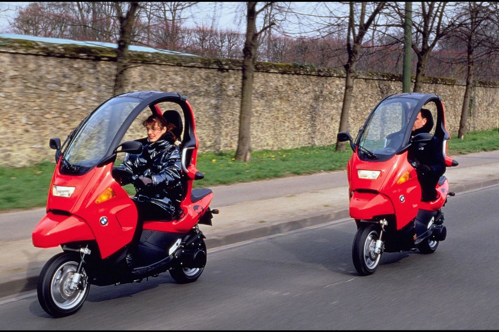 These Companies Think the Next Big Thing Is Very Tiny Cars - Bloomberg