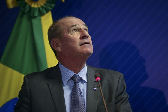 Brazil Defense Minister Urges Less Dependence on Medical Imports