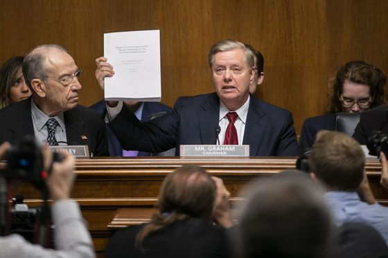 Lindsey Graham Doesn't See Need to Have Mueller, McGahn Testify