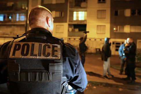 FRANCE-ATTACKS-CURFEW