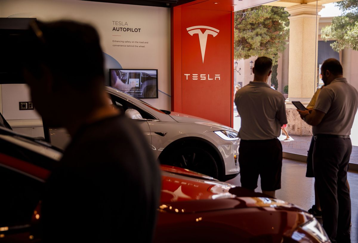Tesla Careers Login >> Musk Trims Tesla Jobs A Third Time Since Saying Never Again Bloomberg