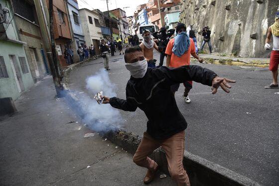Mutiny Attempt Tests Maduro's Tenuous Grip on Power in Venezuela