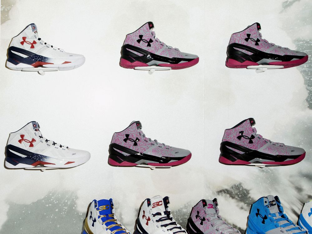 Steph Curry Tells Under Armour to Market His Shoes to Girls - Bloomberg 9d06a50f3c1