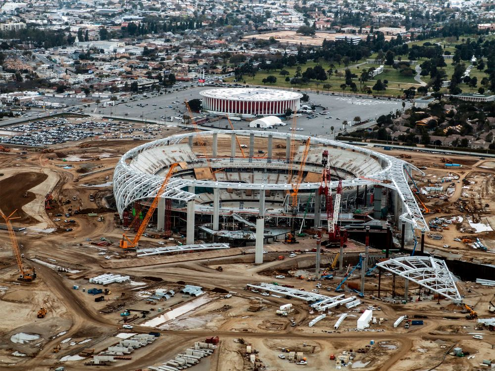 d151fe7c SoFi Close to Putting Its Name on LA Football Stadium - Bloomberg