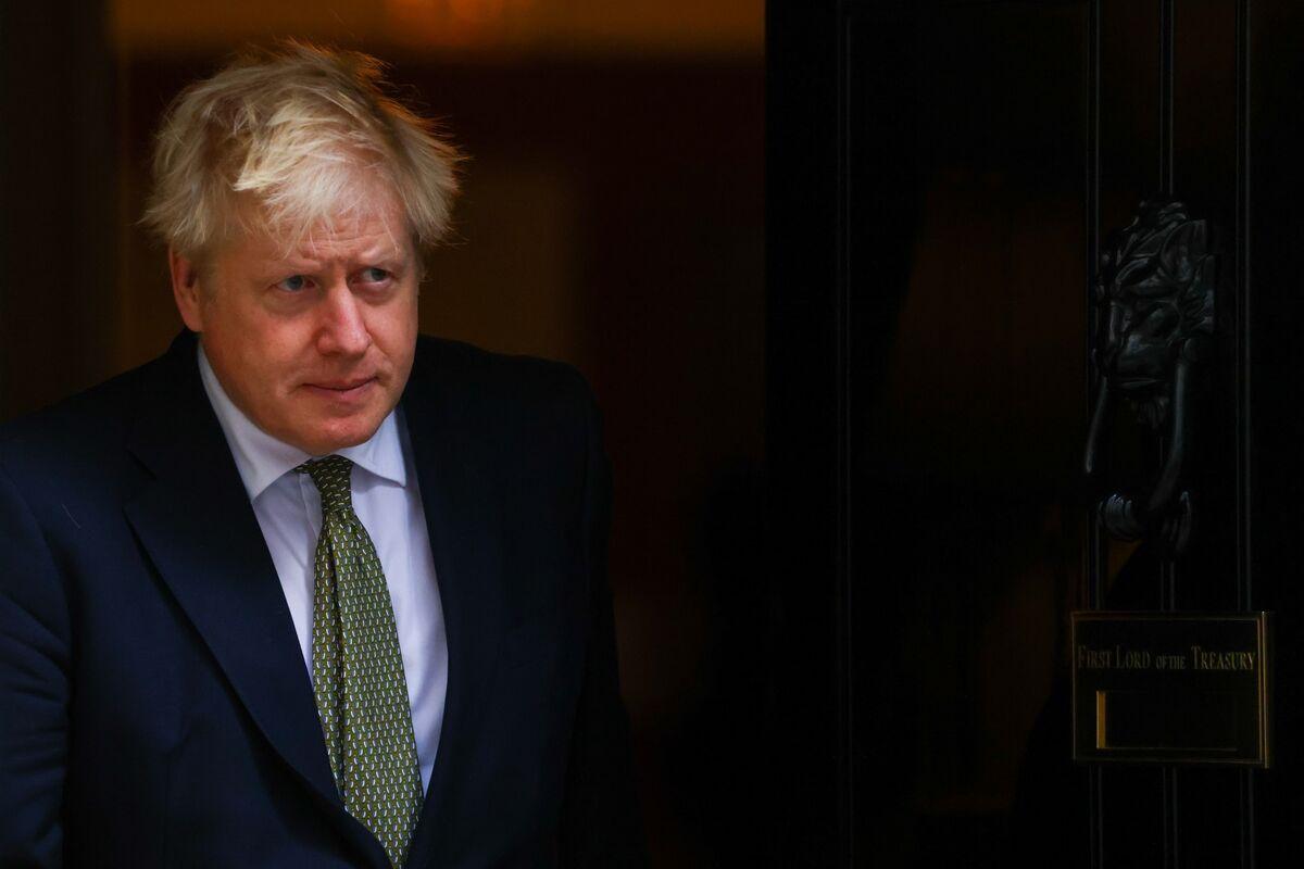Angry U.K. Tories Warn Johnson This Lockdown Delay Must Be Final