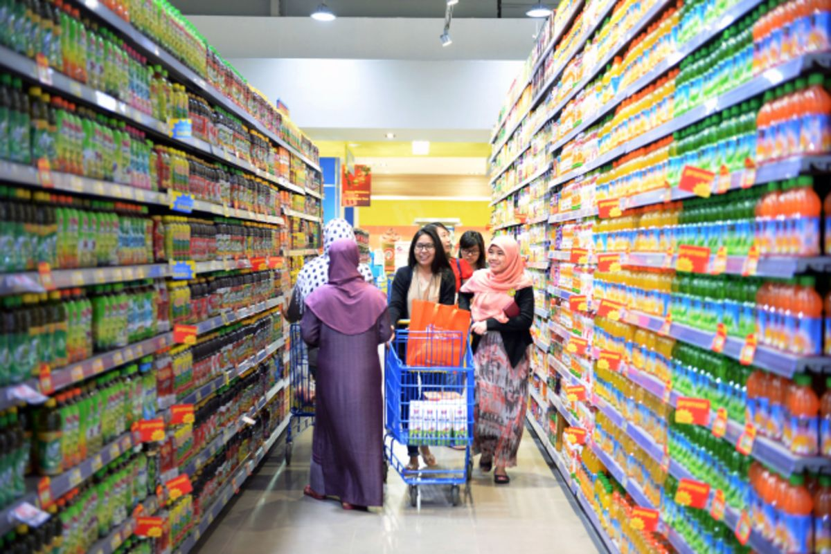 Indonesia's Mandatory Halal Labeling Leaves Firms in Disarray