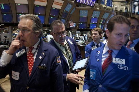 Stocks, Commodities Fall on China Growth Concern