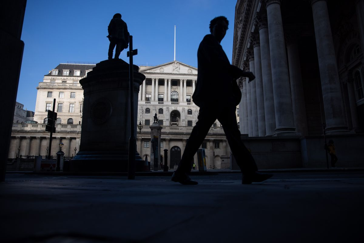 Bond Market Is Jettisoning U.K. Negative-Rate Bets Ahead of BOE