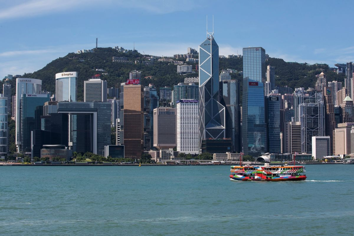 JPMorgan Says Hong Kong House Prices Could Slide 30% in Worst-Case Scenario
