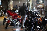 A Harley-Davidson Showroom & Repair Shop As Earnings Beat Estimates