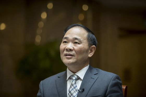 Billionaire Li Shufu Lays Groundwork for His Next Big Move