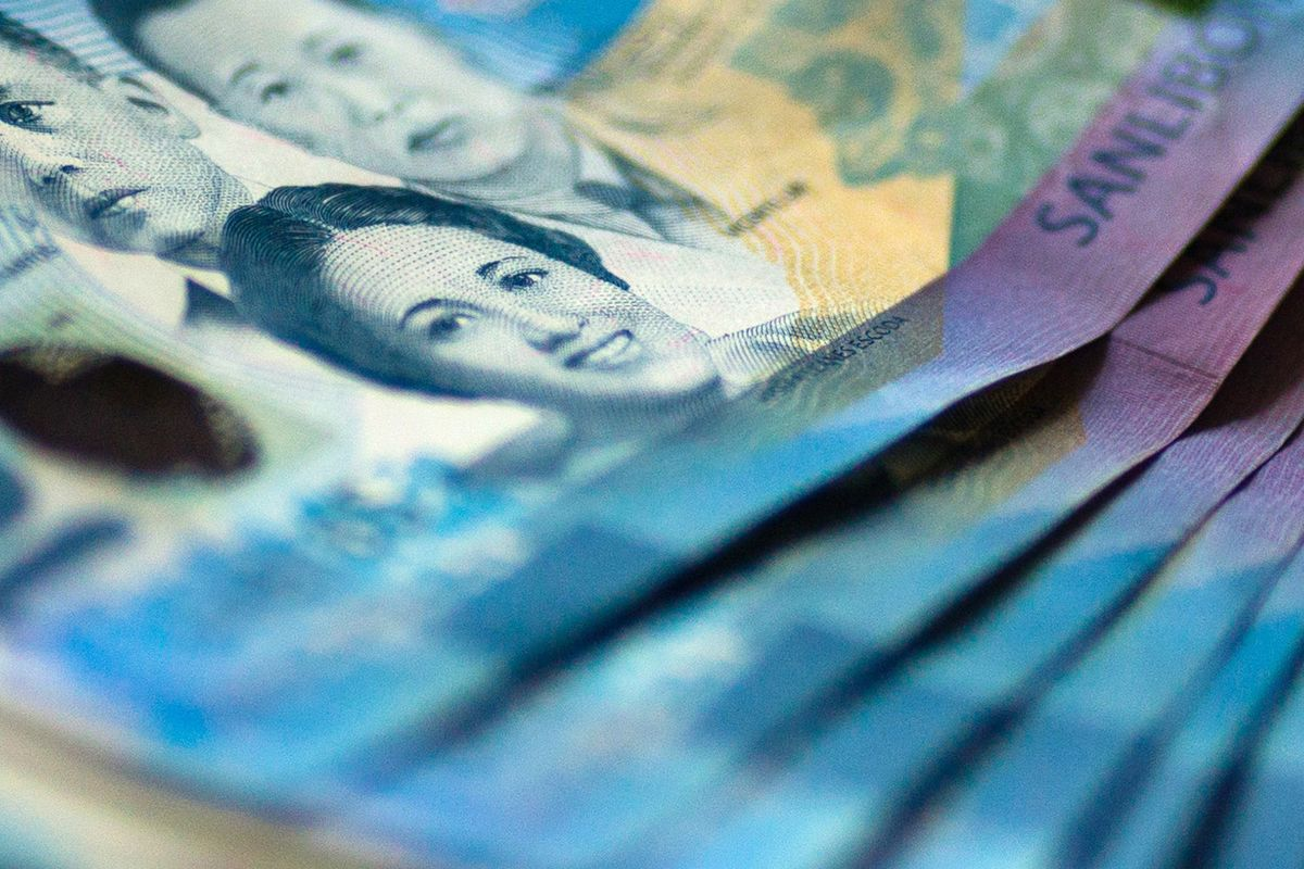 Philippine Peso Rated Asia's Most Resilient Currency for 2017
