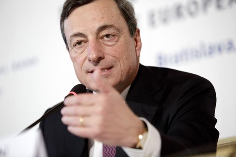 Draghi Covets Bank Clean-Up as ECB Weighs Fix to Loan Drought