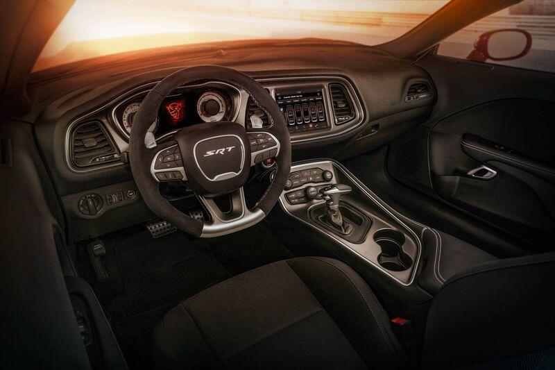 The Standard Drag Race Inspired Interior Configuration Of 2018 Dodge Challenger Srt