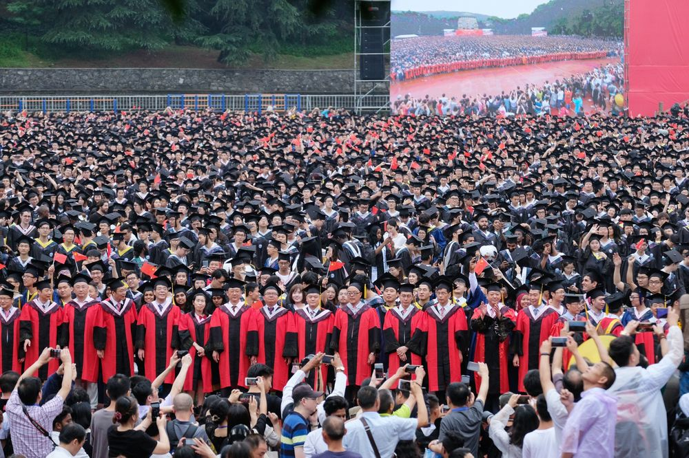 China's Brightest Grads Find High-Paying Jobs Harder to Land