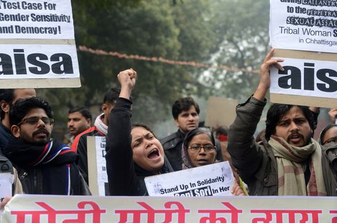 Delhi Bus Rape Accused Face Murder Charge as India Seeks Justice