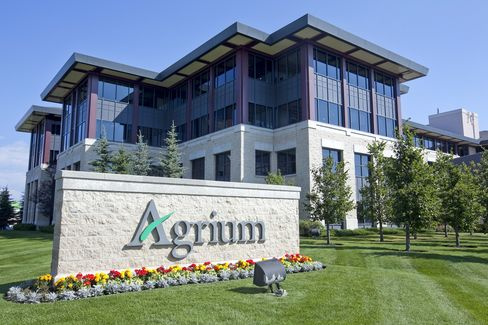 Agrium CEO Said to Plan Jana Meeting After Rejecting Spinoff