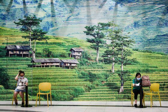Three-Decade Economic Boom Comes to a Sudden Halt in Vietnam