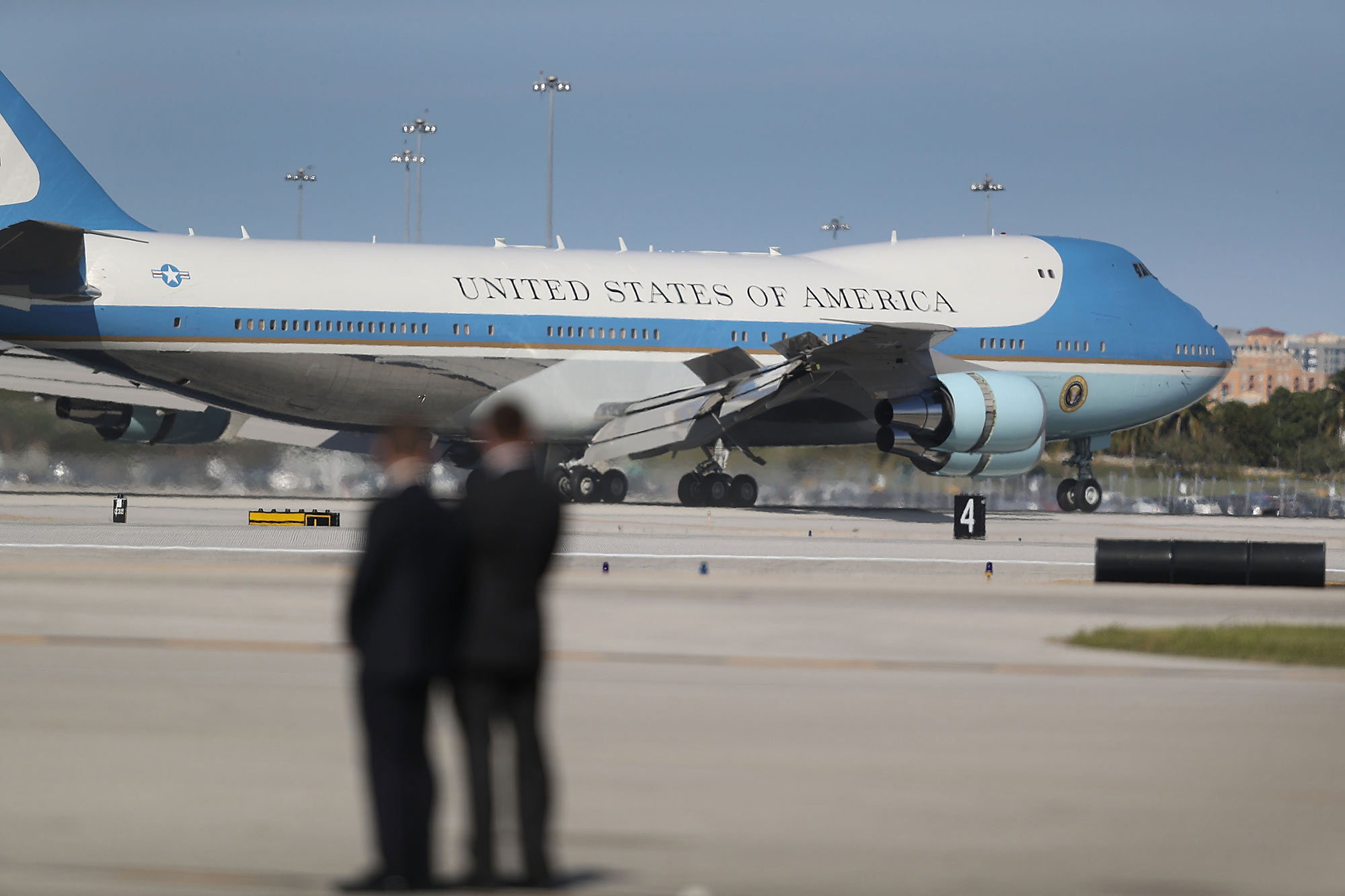 bloomberg.com - More stories by Anthony Capaccio - Air Force Stumped by Trump's Claim of $1 Billion Savings on Jet