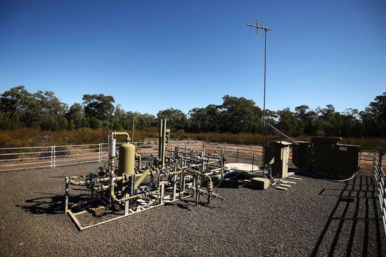 Australia's $200 Billion LNG Boom Waylaid by Covid and Cracks