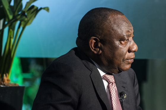 South African Cabinet Considers Reopening International Borders