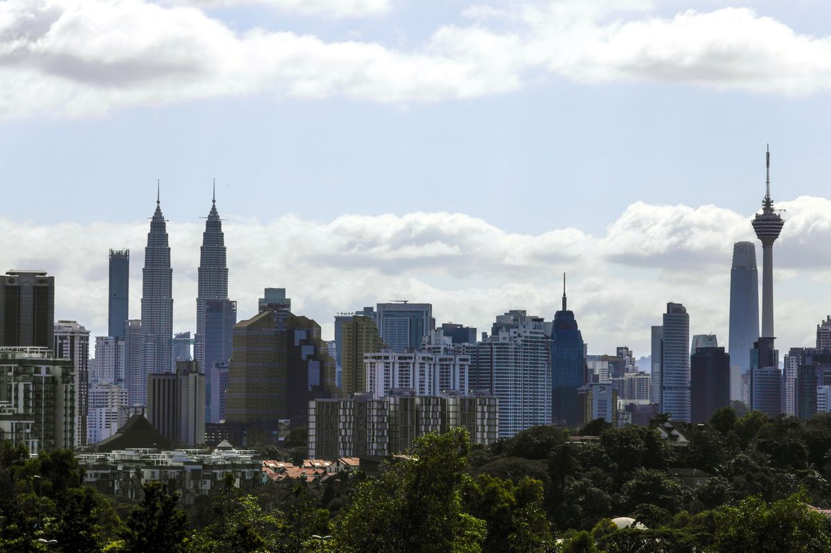 Record Malaysia Tax Revenue to Ease Pressure on Budget Deficit