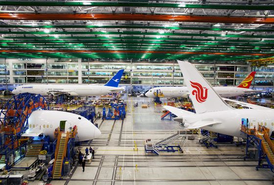 Boeing Dreamliner Plant `Plagued by Shoddy Production,' NYT Says
