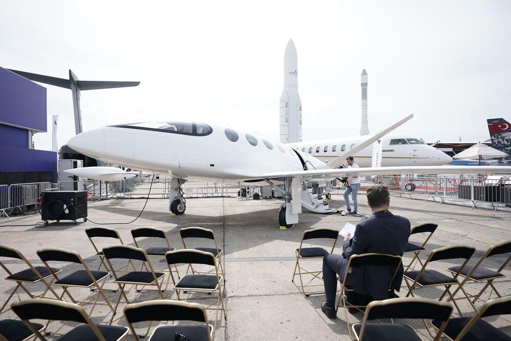 Shamed for Burning Kerosene, Aviation World Seeks Greener Skies