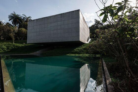 Why I Want toWander Through Brazil's Wild Outdoor Art Museum