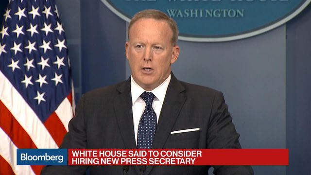Spicer confirms meetings with candidates to fill WH press jobs