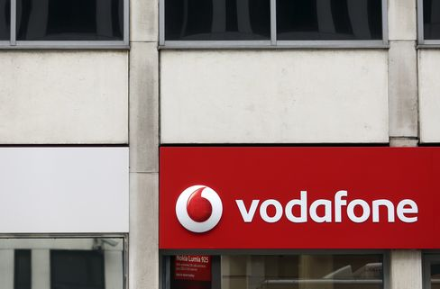 European Stocks Advance as Vodafone Surges on Talks With Verizon