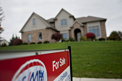 Previously Owned U.S. Home Sales Climb to 4.92 Million Rate