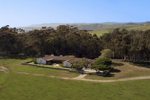 The Las Varas ranch is being sold by heirs of the oil tycoon Edward Laurence Doheny. It has seven homes on the property, along with a private lake.