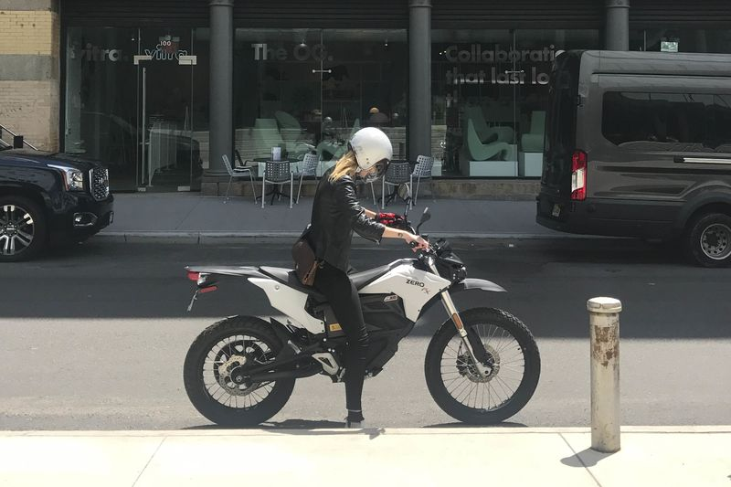 Zero FX Review: Closing Gap Between Real and Electric Motorcycles ...