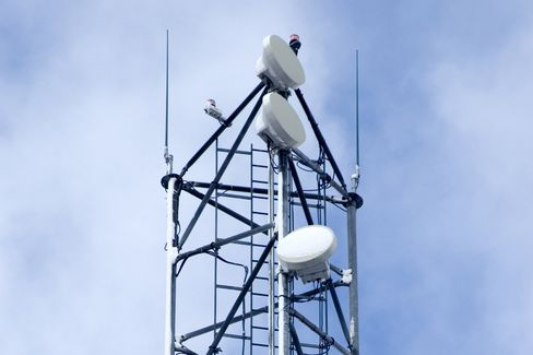 Nokia Without Phones Follows Ericsson Bid for Network Profit