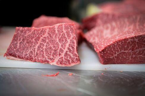 牛肉も人気