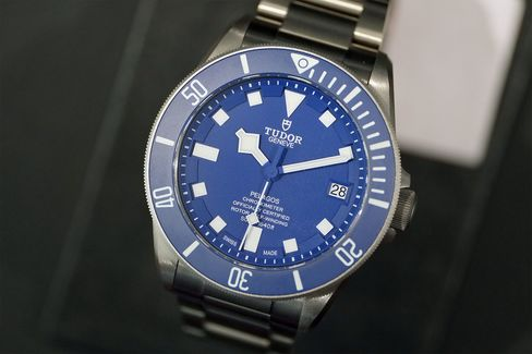 An in-house movement and a new color give the Pelagos a refresh.