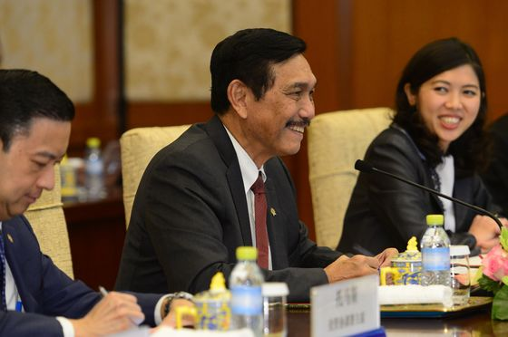 Indonesia Seeks to Assert Authority in Waters in South China Sea