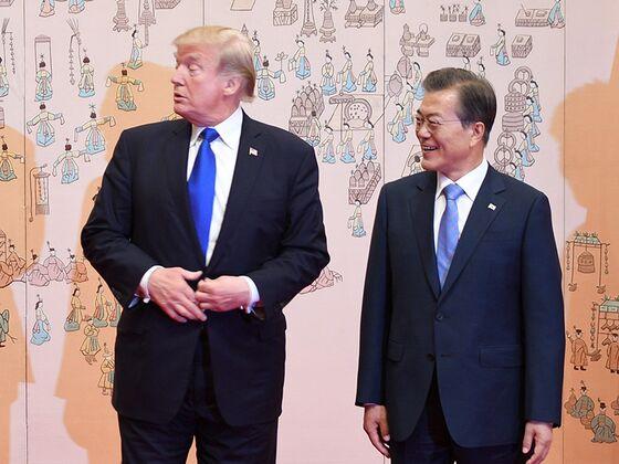Trump Set to Meet South Korea's Moon as Doubts Shroud Kim Summit