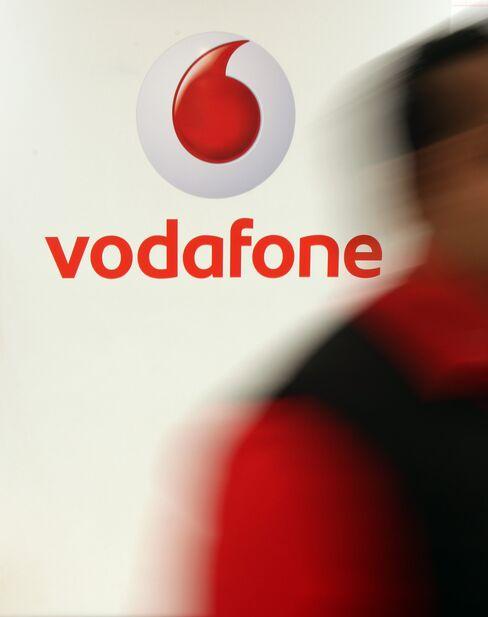 European Stocks Rise; Vodafone Climbs