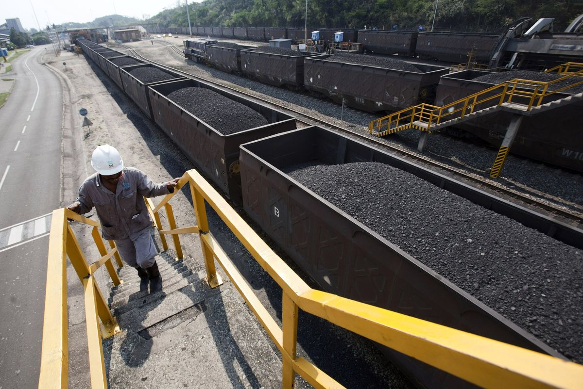 South African Coal Exports Seen Waning as Renewables Gather Pace