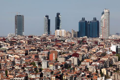 Billionaire Seeks Sukuk for Istanbul Finance Hub