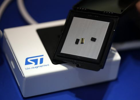 STMicro Microprocessor Chip
