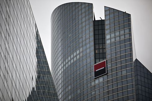 SocGen Search for Crisis Funding Takes Bank to German Car Buyers