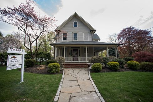Pending Sales Of Previously Owned U.S. Homes Rises