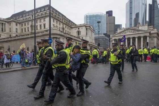 London Police Ban Extinction Rebellion Protesters After Arrests