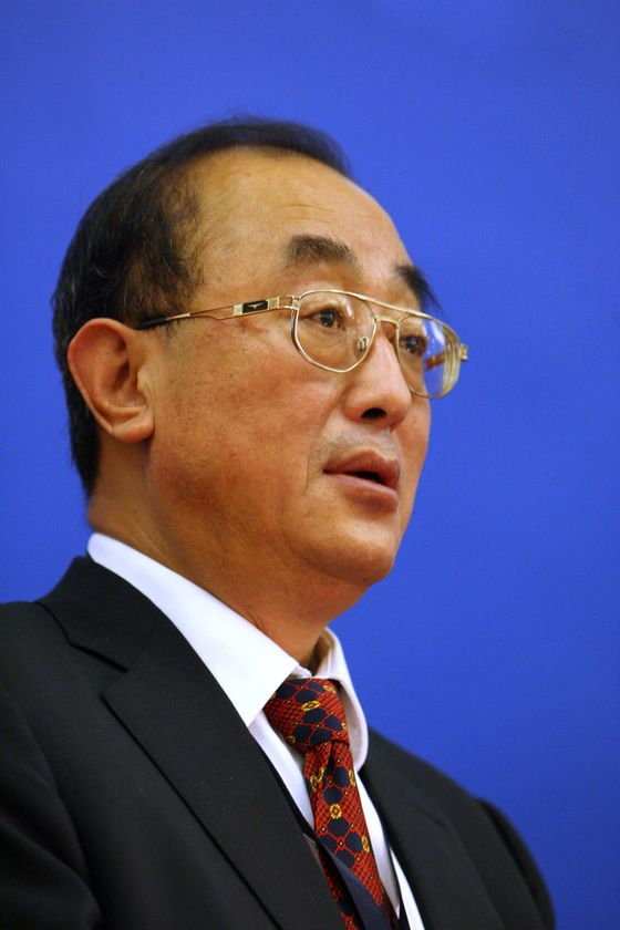 China's Covid-Zero Strategy Risks Leaving It Isolated for Years