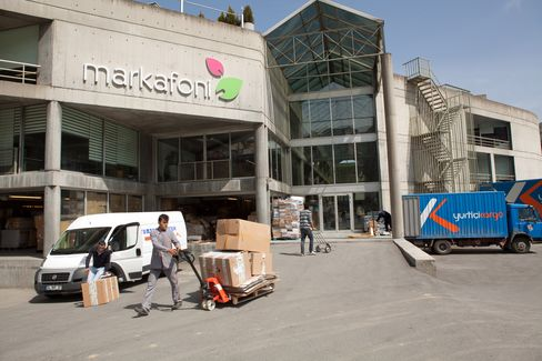 Harvard Dropout Thrives as Turkey E-Commerce Lures Amazon