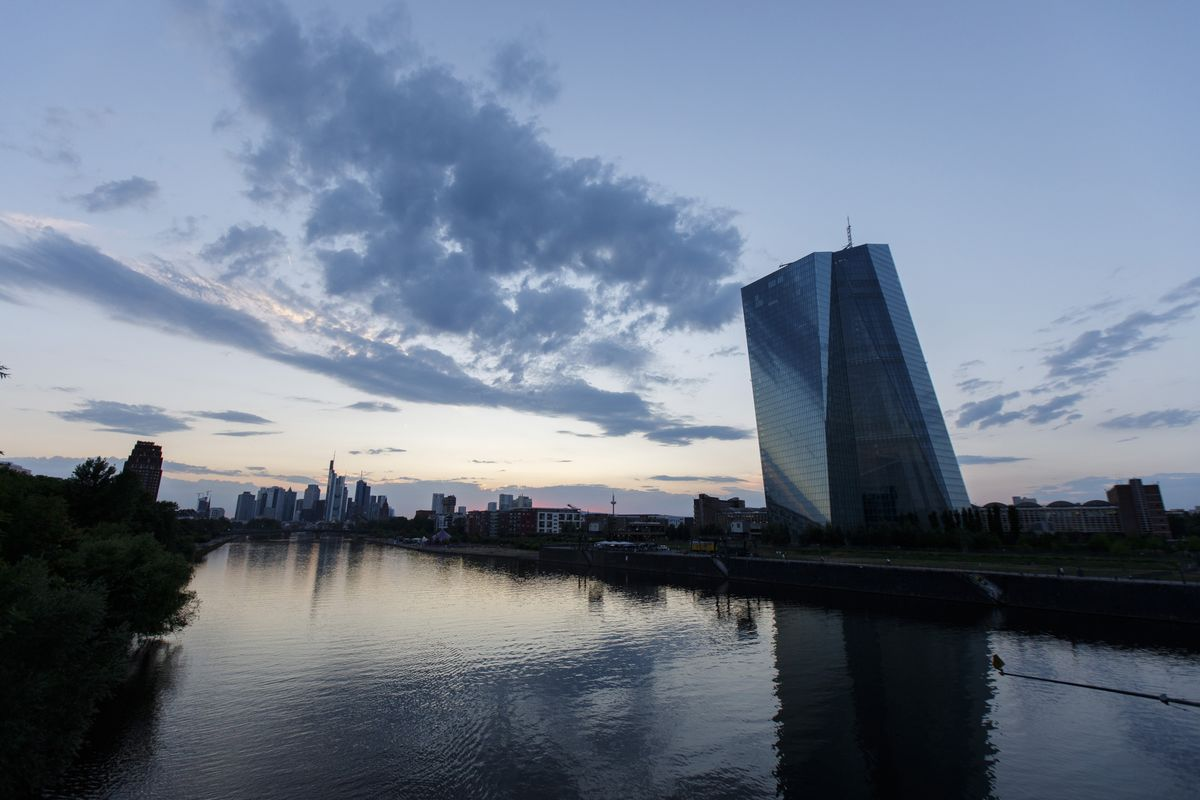 ECB Heads for Crunch Time After Weeks of Holding Its Nerve